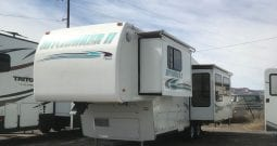 1999 Used Hitchhiker 2 RLBGBW Deluxe Fifth Wheel