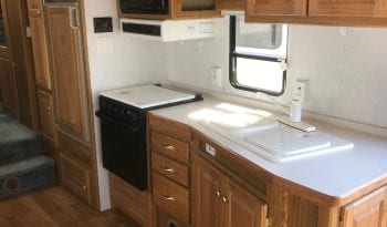 1999 Used Hitchhiker 2 RLBGBW Deluxe Fifth Wheel full