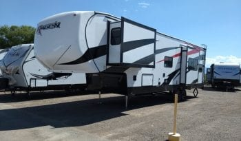 2020 Rage'n 3200 Fifth Wheel full